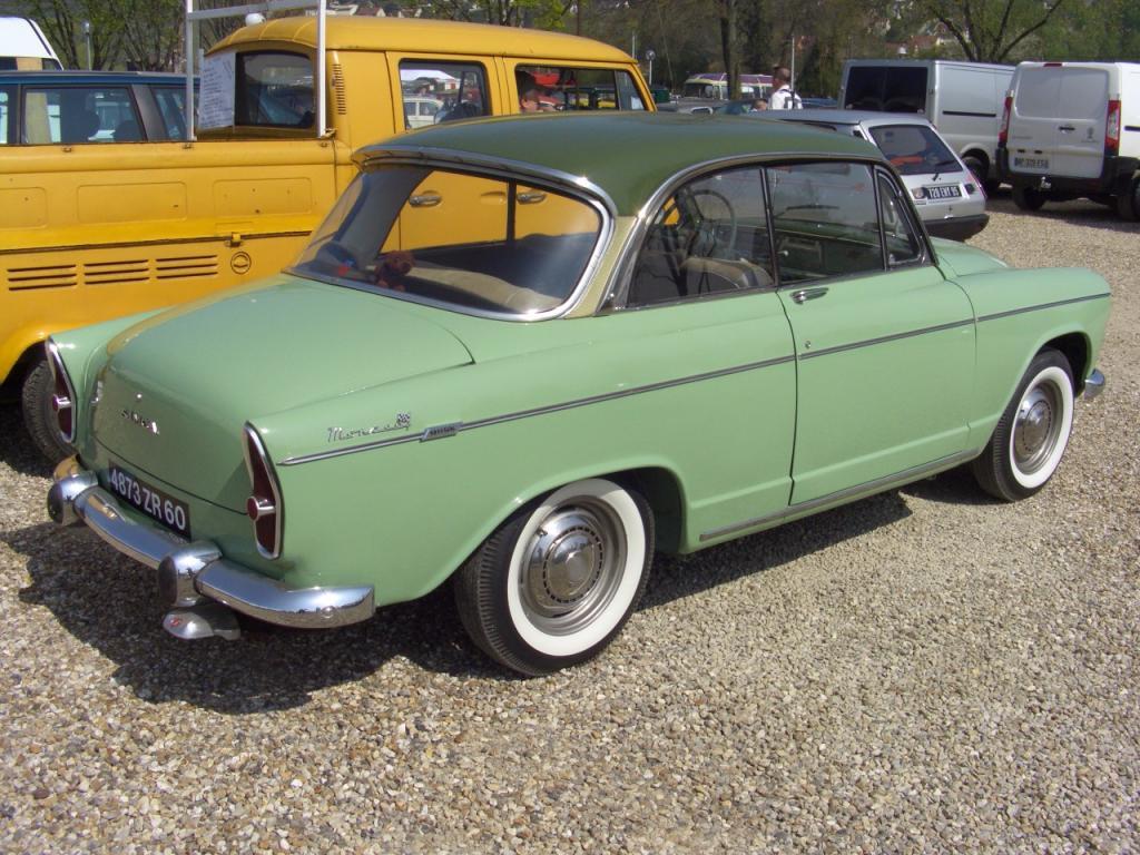 Peugeot 305 (berline) :