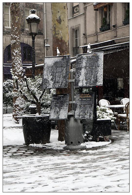 Première neige de l'année sur Paris ce matin. 20091217-p1020904...e_resize-16879d8